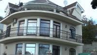 Продаётся отличное двухэтажное строение в Массандре.